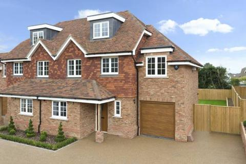 4 bedroom semi-detached house for sale - Heron Mews, Angley Road, Cranbrook, Kent TN17 2PL