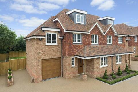 4 bedroom semi-detached house for sale - Heron Mews, Angley Road, Cranbrook, Kent TN17 2PL