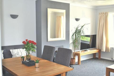 2 bedroom apartment to rent - Beach Green, Shoreham-By-Sea