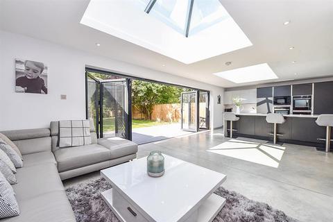 4 bedroom detached house for sale - Barnham Road, Barnham