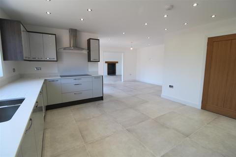 5 bedroom detached house for sale - The Fieldings, Ash Parva, Whitchurch
