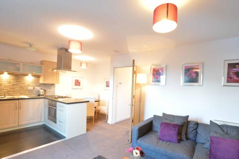 2 bedroom ground floor flat to rent - Firpark Close, Parade Park, Dennistoun, Glasgow, G31