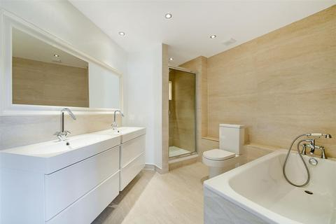 3 bedroom apartment for sale - Sailmakers Court, William Morris Way, Fulham