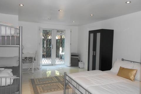 1 bedroom apartment for sale - Swan Passage, London, E1