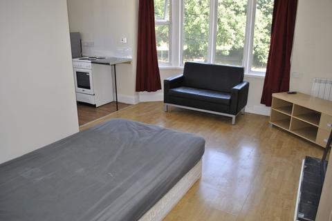 Studio to rent - Aylestone Road, Leicester, LE2