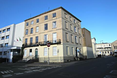 2 bedroom apartment to rent - Bath Street, Cheltenham GL50