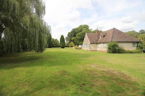 4 bedroom bungalow for sale - Sulham Hill, Tilehurst