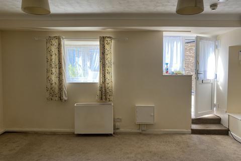 Studio to rent - Cavern Rd, Brixham TQ5