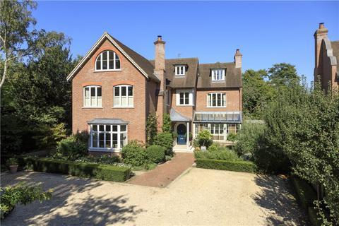 6 bedroom detached house for sale - Warren Road, Coombe Hill, KT2