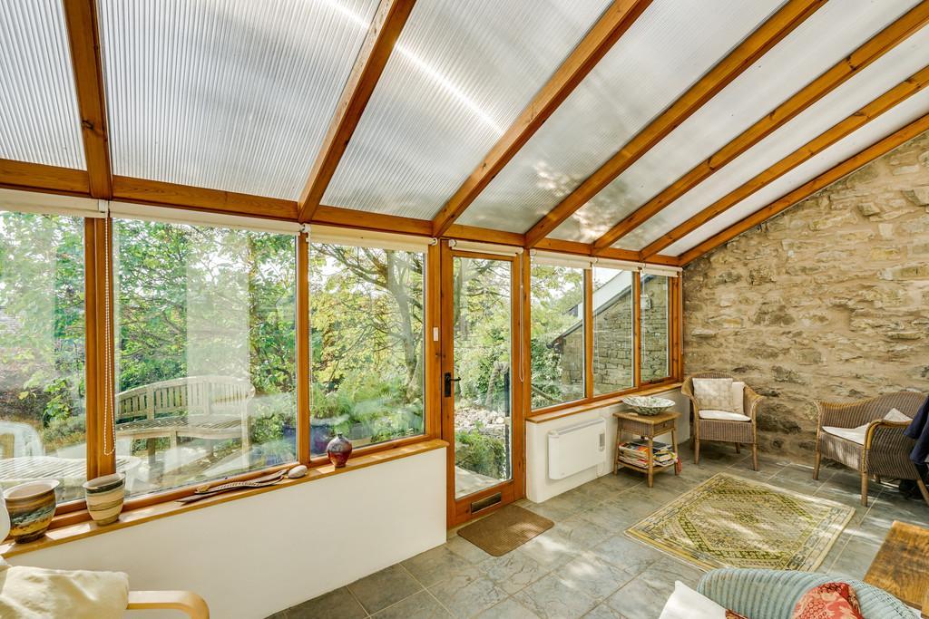 Entrance Porch/Sun Room