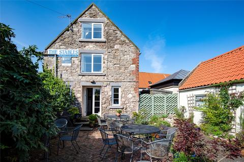3 bedroom detached house for sale - The Stables, Marygate, Holy Island, Berwick Upon Tweed, Northumberland