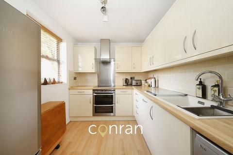 2 bedroom apartment to rent - Marlowe Gardens, Eltham SE9