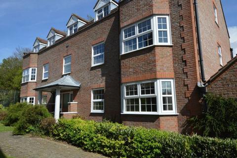 2 bedroom ground floor flat to rent - Alton