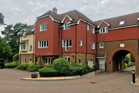 2 bedroom apartment to rent - Copthorne, Crawley