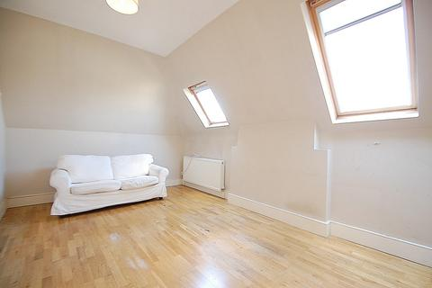 1 bedroom flat to rent - Bedford Hill, Balham, London