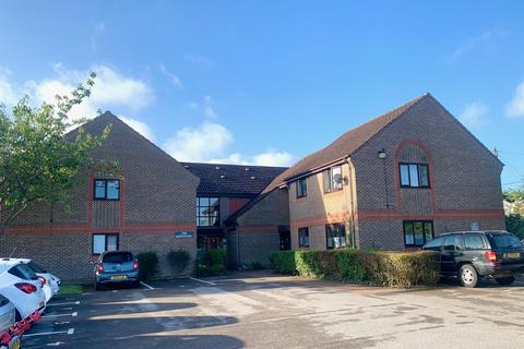 2 bedroom flat for sale - *Viewing Essential* The Gatehouse, Barnsland, West End, Southampton