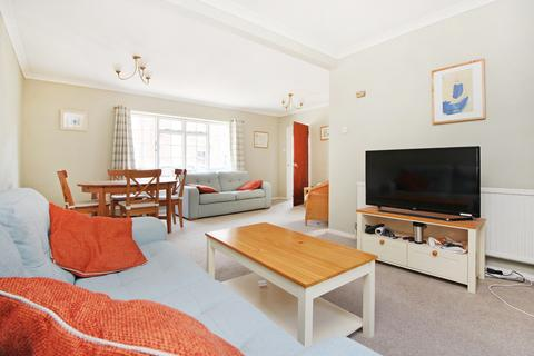 3 bedroom semi-detached house to rent - St Edmunds Road , Canterbury