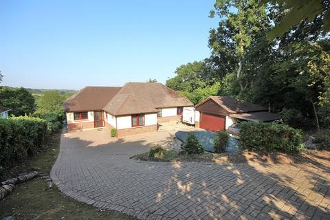 5 bedroom detached bungalow for sale - Meadow Farm Lane, Corfe Mullen, Wimborne