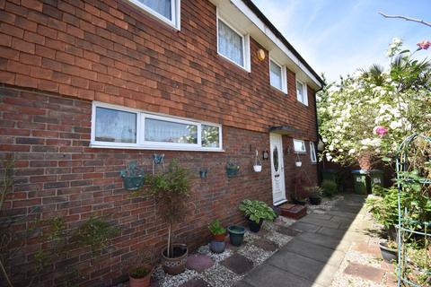 4 bedroom end of terrace house for sale - Parkdale Road London SE18