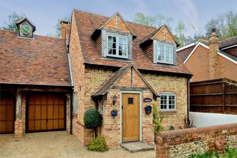 4 bedroom link detached house to rent - Ewshot, Farnham, Hampshire