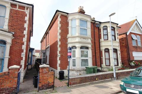 2 bedroom ground floor flat for sale - Beresford Road, North End