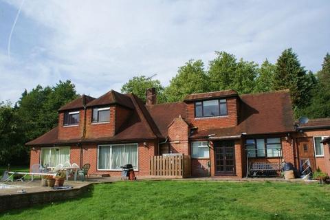 Studio to rent - Bath Road, Kiln Green, Berkshire