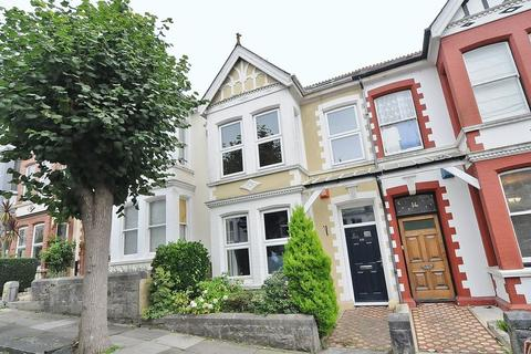 3 bedroom terraced house for sale - Kingswood Park Avenue, Plymouth. Spacious Peverell family home close to Central Park.