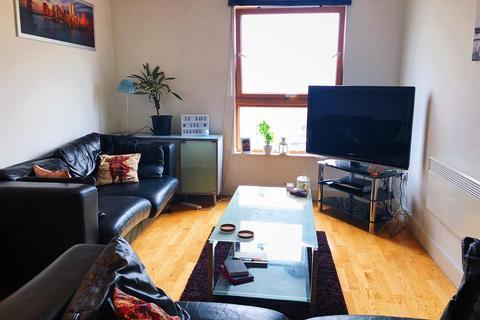 2 bedroom flat to rent - Clarence Dock, Armouries Way, Leeds, LS10 1JE