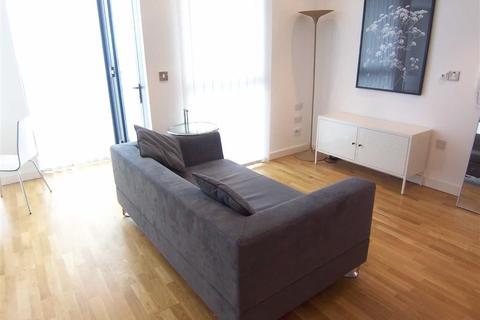 Studio to rent - Millennium Tower, Salford Quays, Manchester, M50
