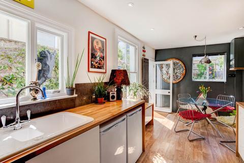 3 bedroom terraced house to rent - Bernard Road , Brighton
