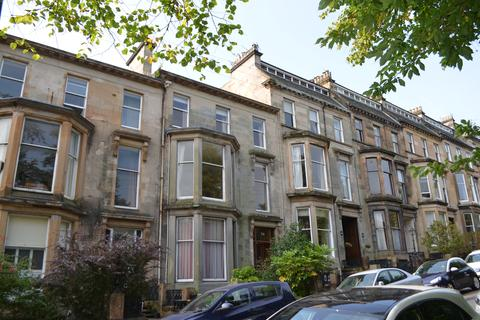 3 bedroom apartment to rent - Flat 2, 29 Huntley Gardens, Glasgow G12 9AX