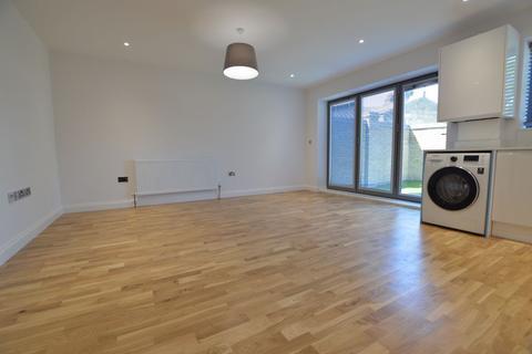 2 bedroom flat to rent - Queens Road, Walthamstow, E17