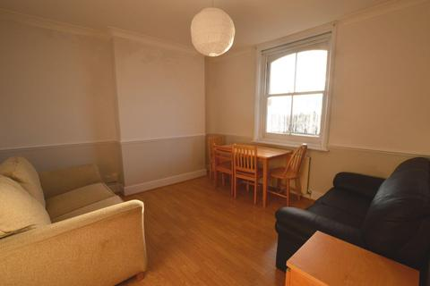 2 bedroom flat to rent - Cleveland House, Hoe Street, Walthamstow, E17