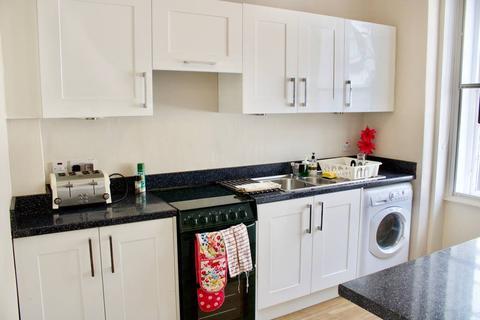 2 bedroom flat to rent - Morrison Street, Tollcross, Edinburgh, EH3