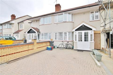 4 bedroom terraced house for sale - Longford Avenue, Feltham, TW14