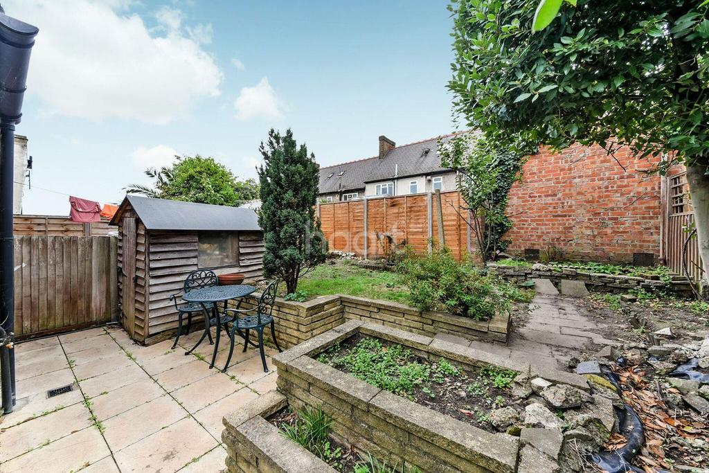2 Bedrooms End Of Terrace House for sale in Derinton Road, Tooting Bec, SW17
