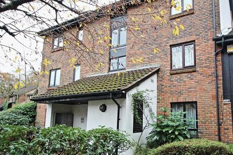 1 bedroom ground floor flat for sale - Talman Grove, Stanmore, Middlesex, HA7 4UH