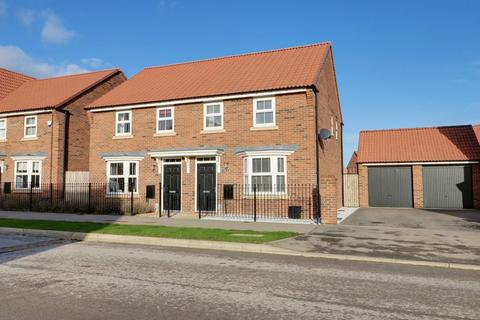 3 bedroom semi-detached house for sale - Lawrance Avenue, Anlaby