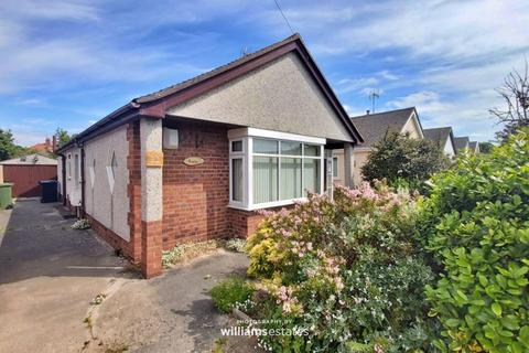 2 bedroom detached bungalow to rent - Merllyn Road, Rhyl