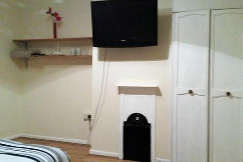 House share to rent - Bankfoot Road, Bromley, Kent, BR1 5PP