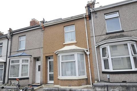 2 bedroom terraced house for sale - Fleet Street, Plymouth. Mid Terrace 2 Bedroom property in Keyham.