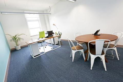 Land to rent - Office In Business Central