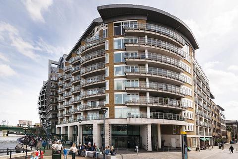 2 bedroom flat to rent - New Globe Walk, London, SE1