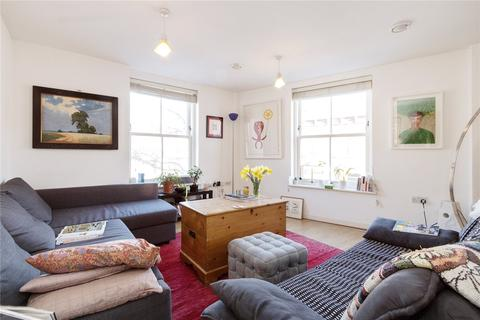 2 bedroom flat to rent - Northwold Road, London, E5