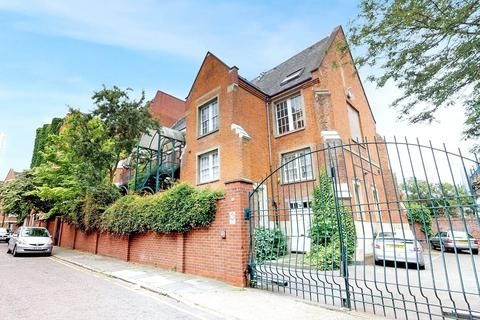 3 bedroom penthouse for sale - Masters Lodge, Johnson Street, London, E1