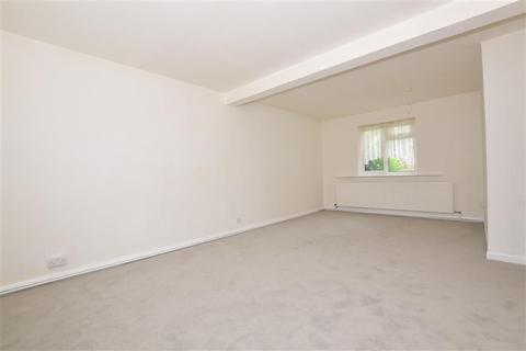 2 bedroom ground floor flat for sale - New North Road, Ilford, Essex