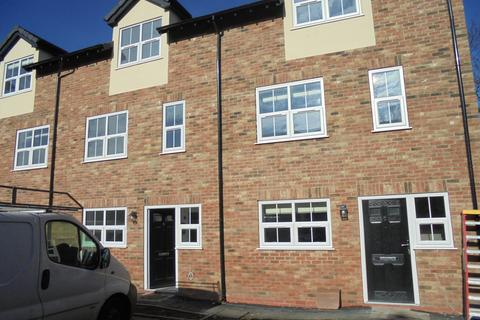 4 bedroom townhouse to rent - Queens Court Close, Etruria, Basford, Stoke On Trent ST4