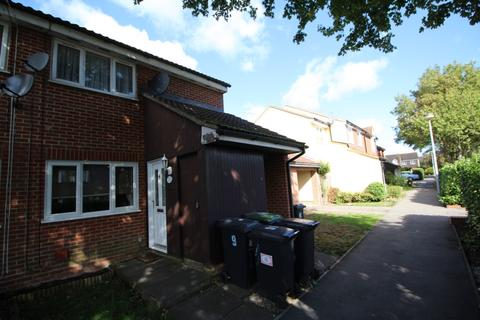 1 bedroom maisonette for sale - Church Lane, North Weald, CM16