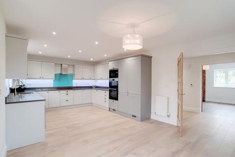 3 bedroom detached house for sale - Effingham