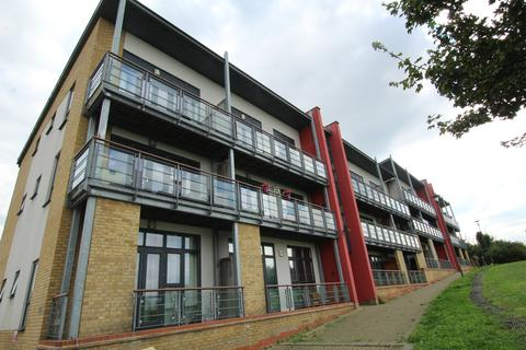 2 bedroom apartment to rent - Skylark Avenue, Greenhithe, Kent
